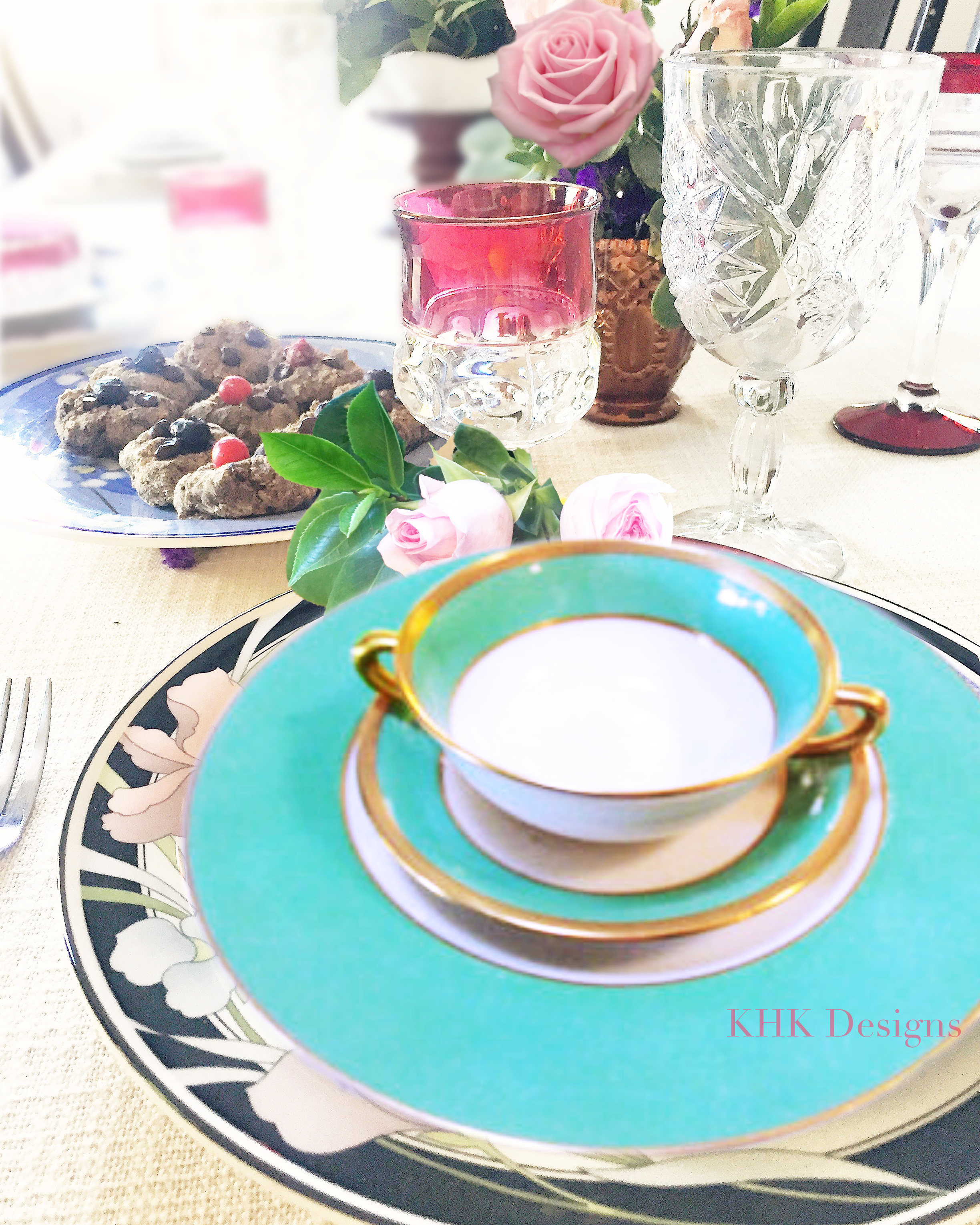 fresh flower tablescape with cassical dinnerware