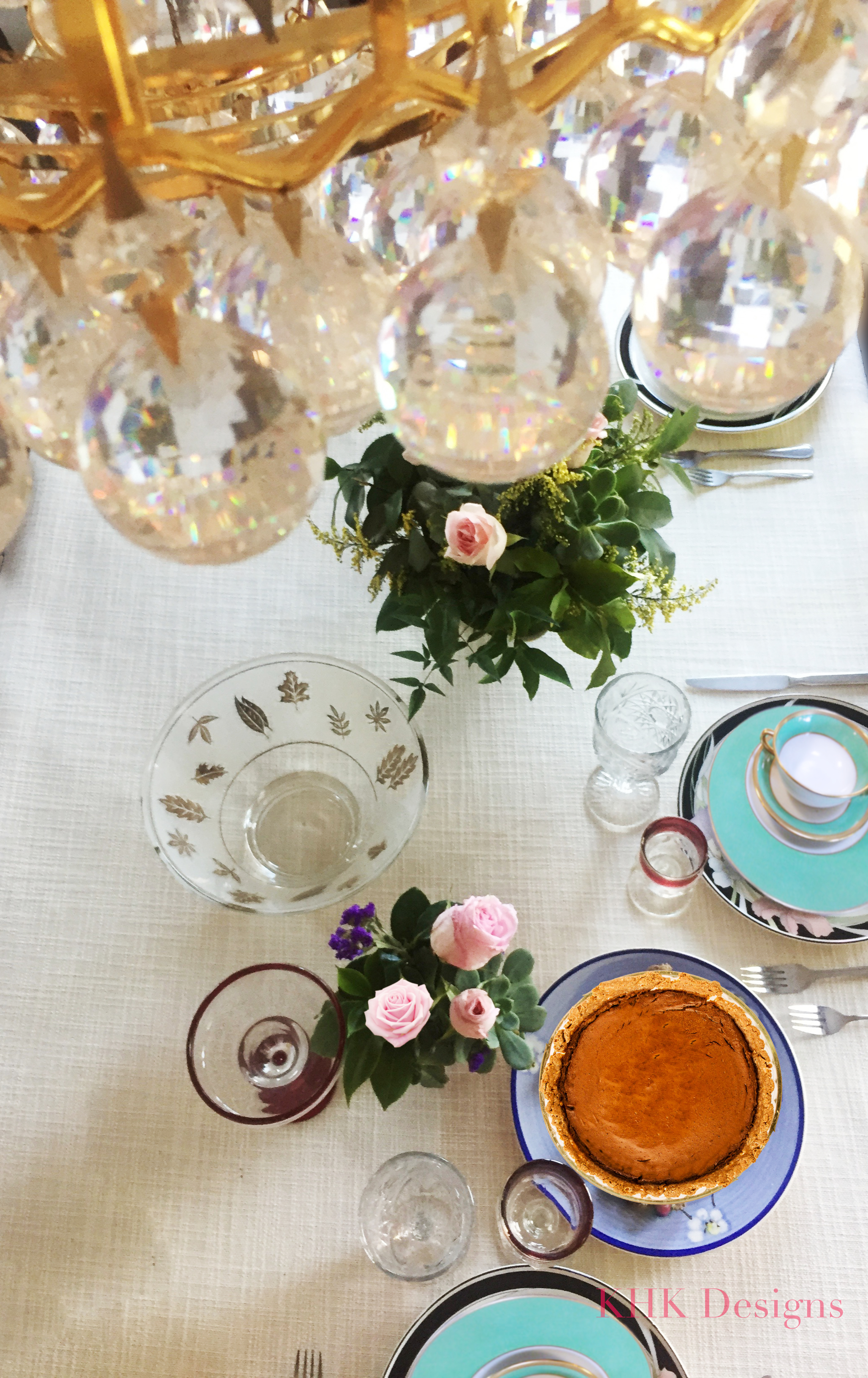 fresh flower tablescape with crystal chandeliers