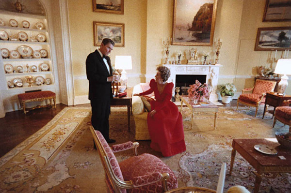 yellow-oval-room-reagans