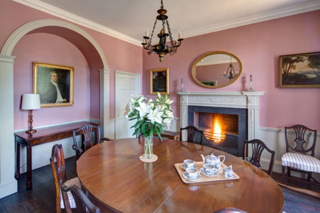 03-belmont-interior-pink-dining-room