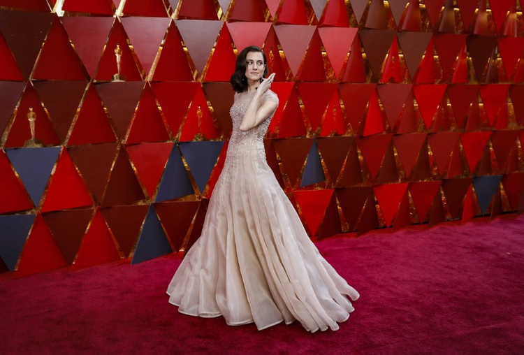 2018-03-05T010222Z_1_LYNXMPEE24015-OUSEN_RTROPTP_3_ENTERTAINMENT-US-AWARDS-OSCARS-FASHION