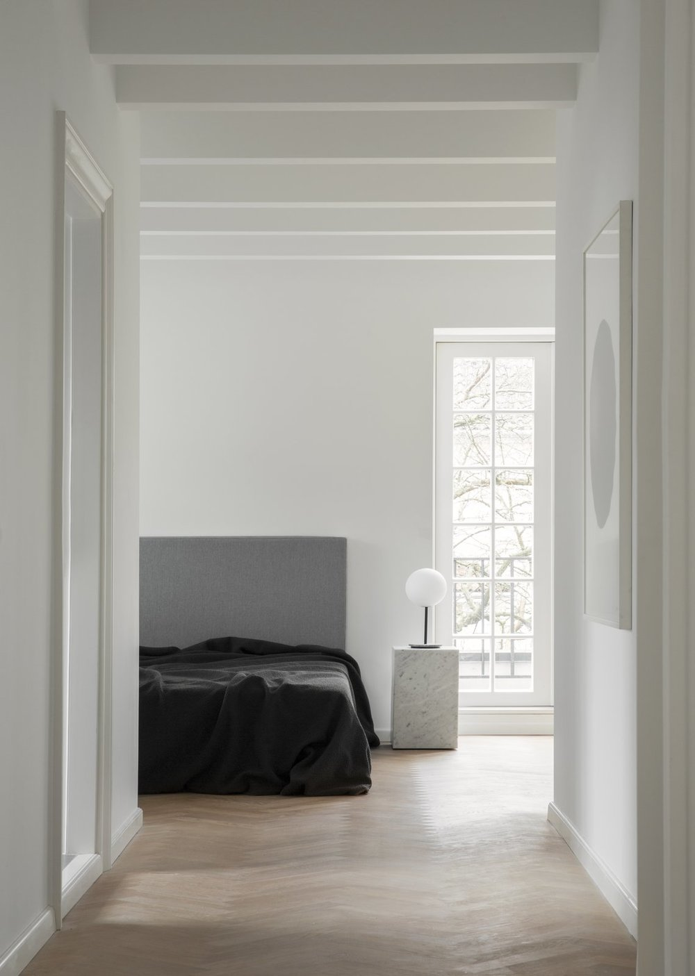 EGGAll+white+satin+and+eggshell+finish+painted+hallway+walls.jpg