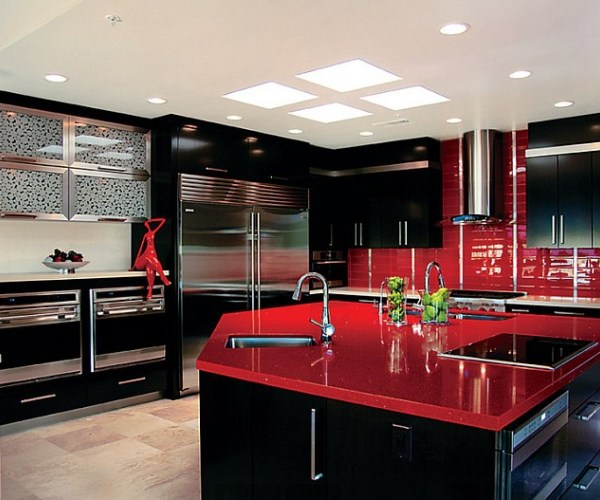 red-black-and-white-interiors-living-rooms-kitchens-red-white-kitchens-design-ideas_1535844801_600x500_d4a4d5b37569bd8b.jpg