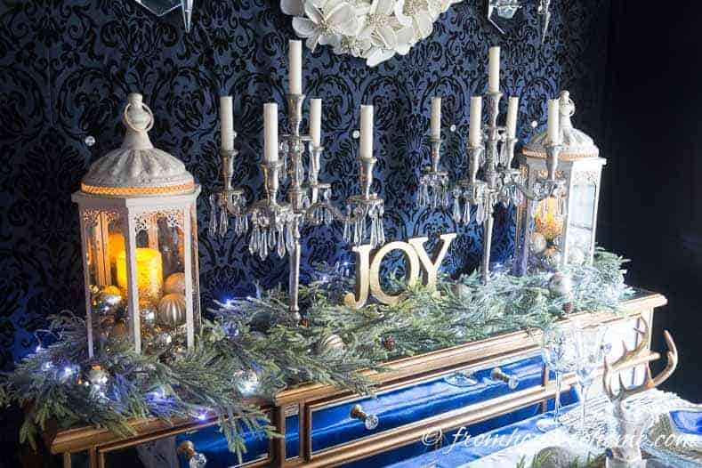 blue-and-white-christmas-table.jpg