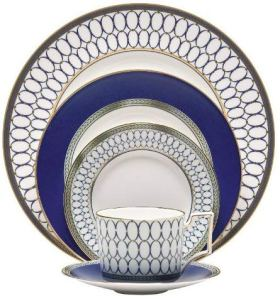 Chic Blue-and-White Spring Table Settings