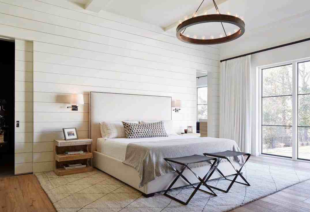 chdFarmhouse-Style-Bedroom-Ideas-06-1-Kindesign