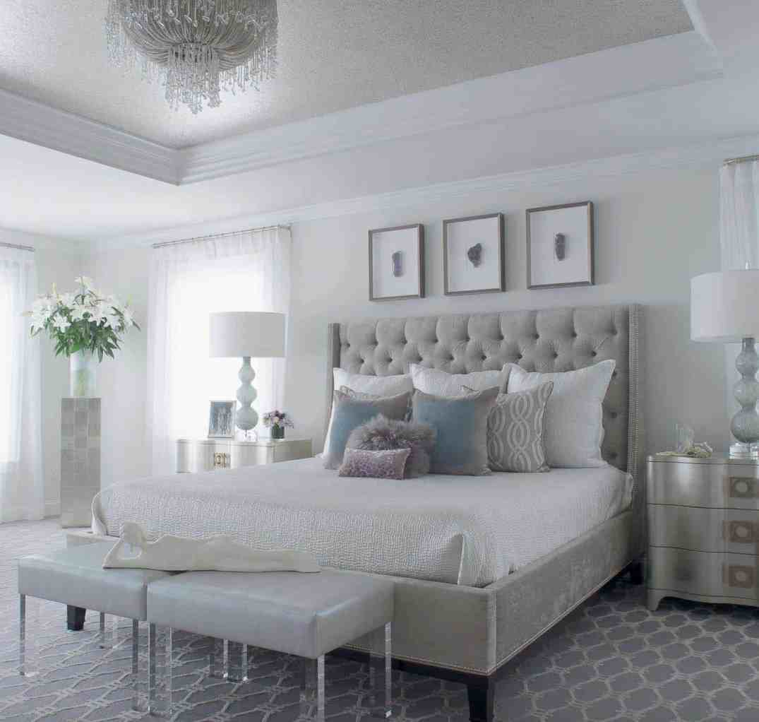 Serene-Master-Bedroom-Decorating-Ideas-01-1-Kindesign