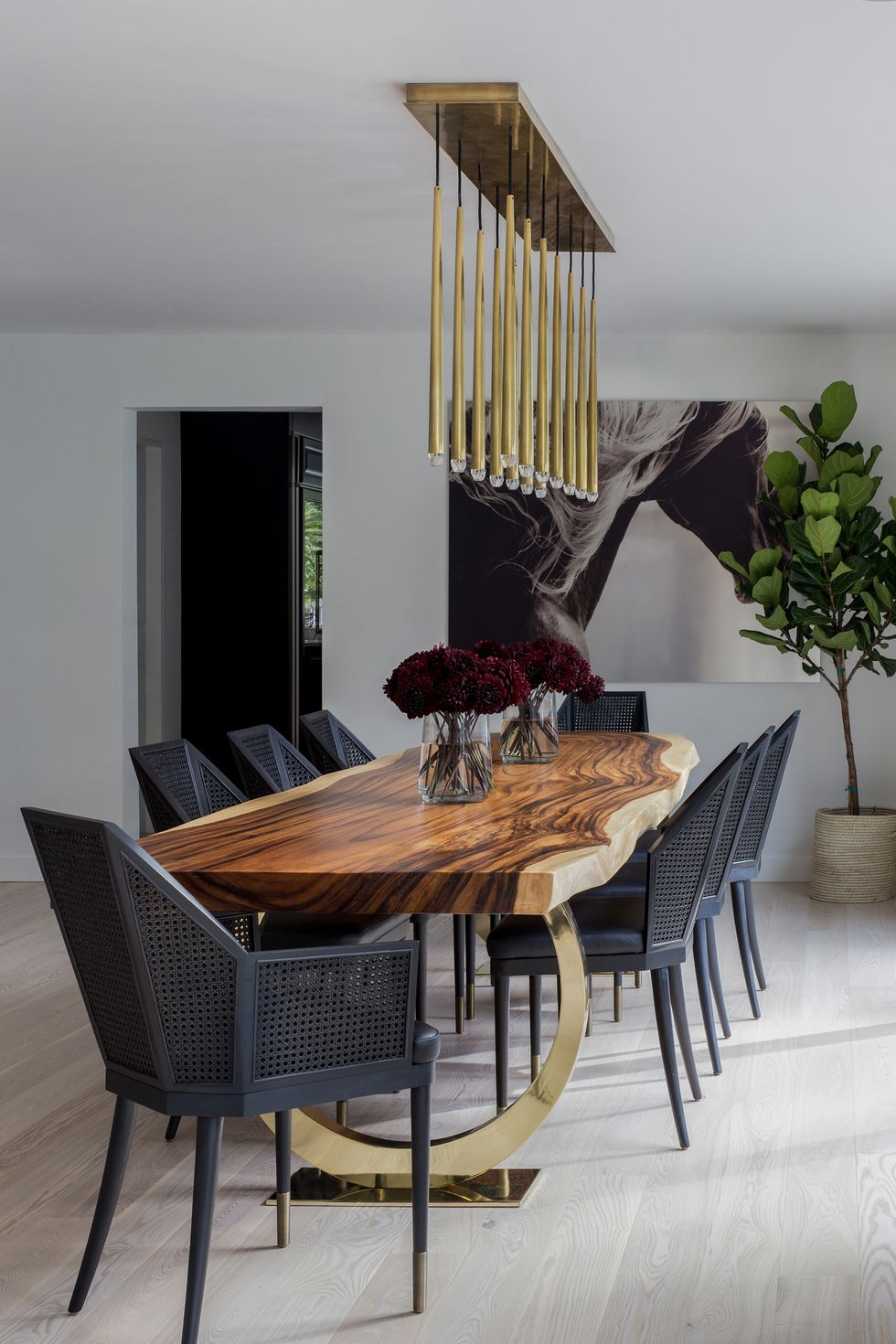 Usource-custom-furnishings-1582055531