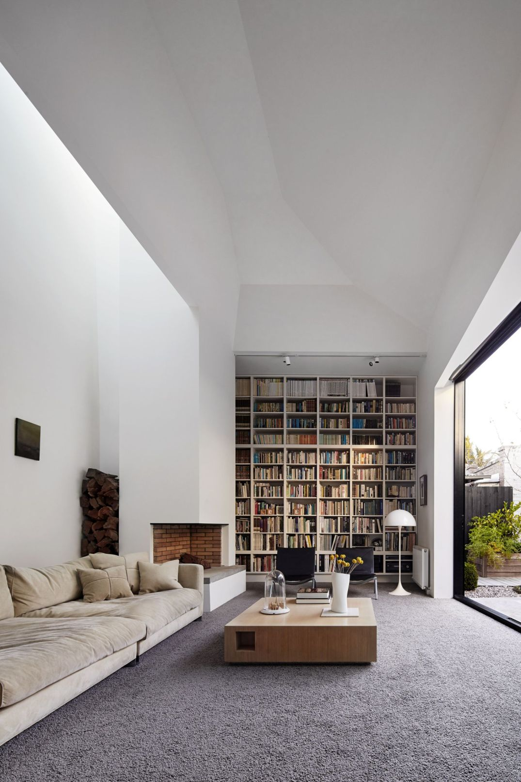 Coy-Yiontis-Architects-Home-Library