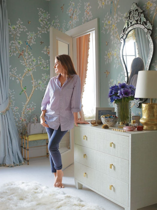 dam-images-daily-2013-10-aerin-lauder-beauty-at-home-aerin-lauder-beauty-at-home-00-aerin-lauder-new-york-city-dressing-room