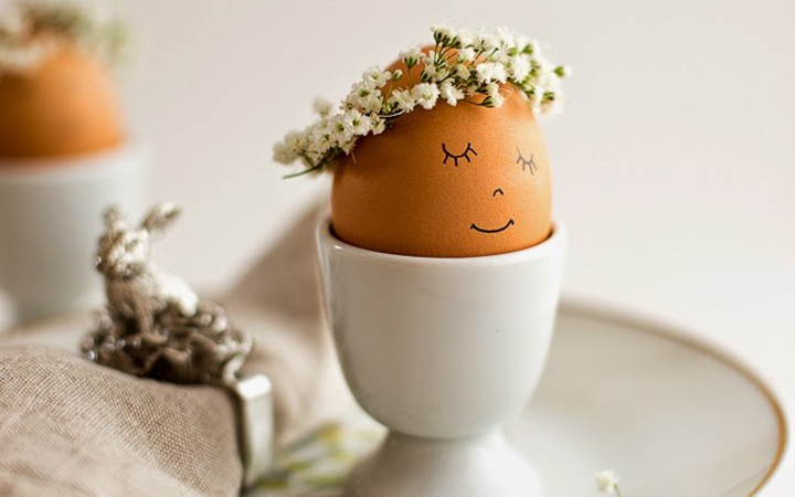 floral-wreath-crowned-eggs