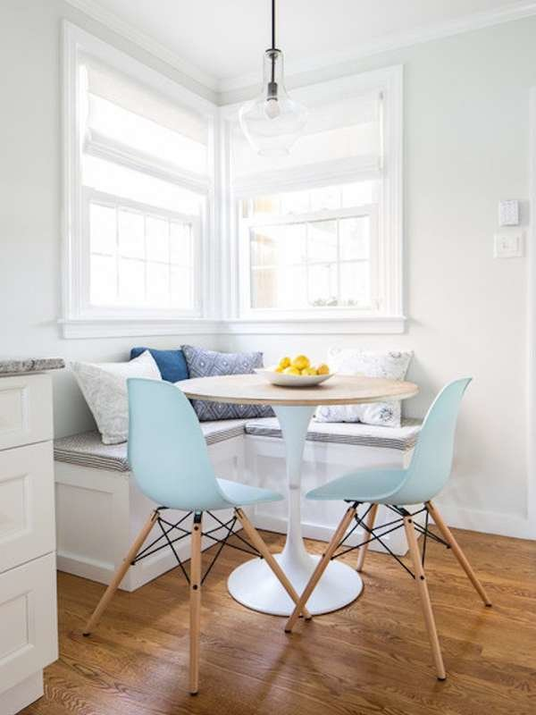 white_breakfast_nook
