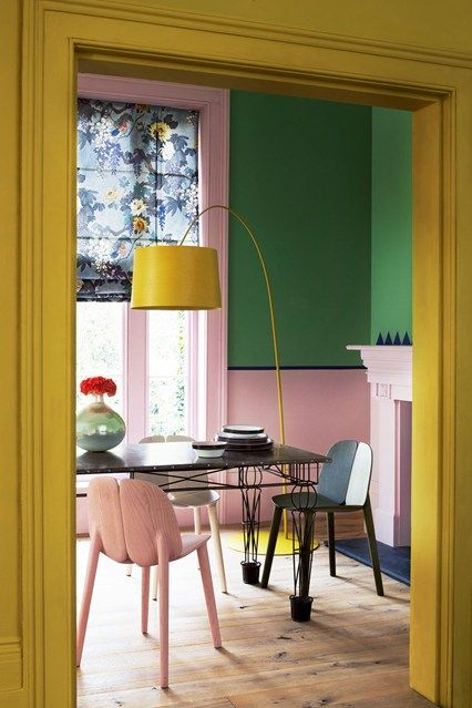 blush-pink-walls-mustard-yellow-nright-green-floor-lamp-colourful-living-room-kitchen-red-online-2