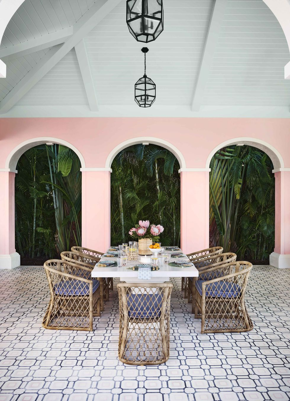 celerie-kemble-naples-florida-outdoor-dining-room-1587410516