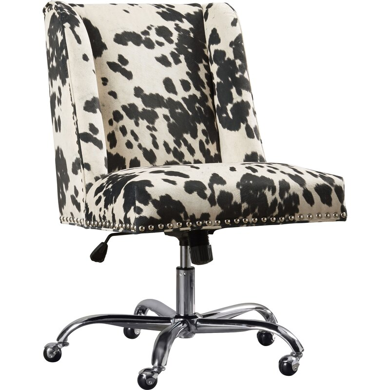 This image has an empty alt attribute; its file name is melynataskchair.jpg