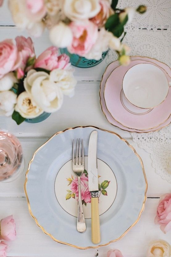 elegant r tablescape with pastels
