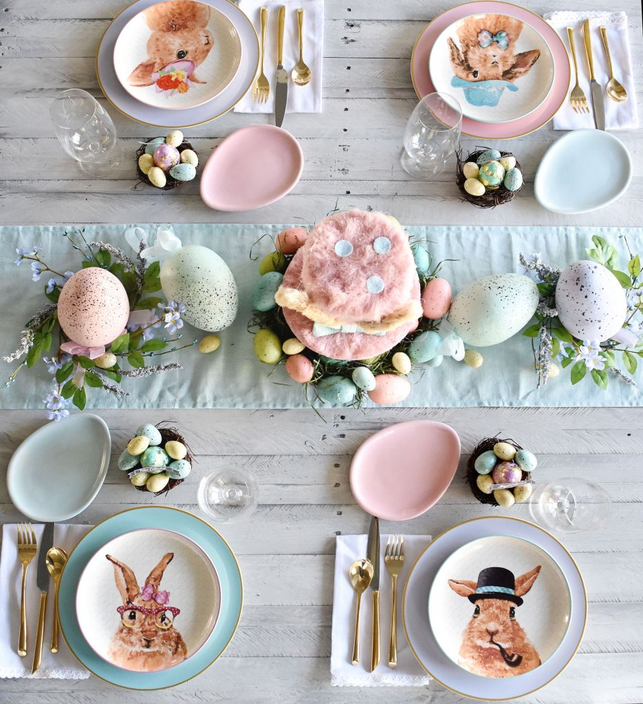 outdoor tablescape with a rustic feel