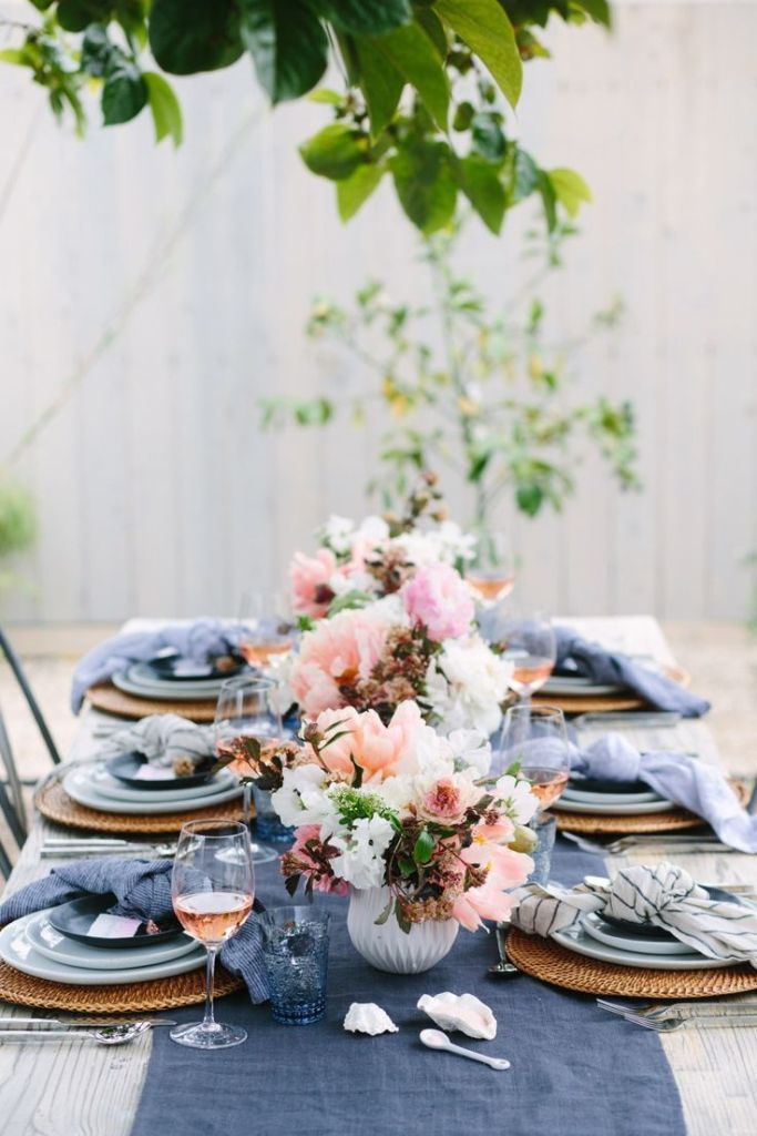 modernorganic Easter tablescape in pastels
