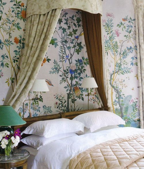 chinoiserie wallpaper in a classic bedroom