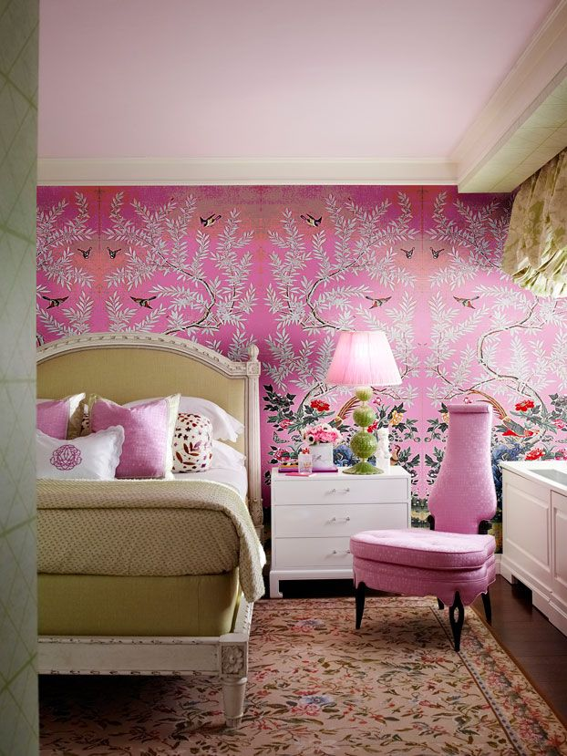 pink chinoiserie wallpaper in a modern classic bedroom