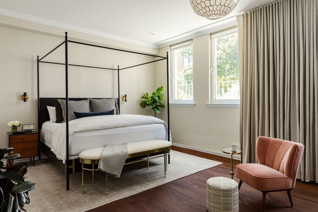 metal canopy frame of the bed adds some architectural details.