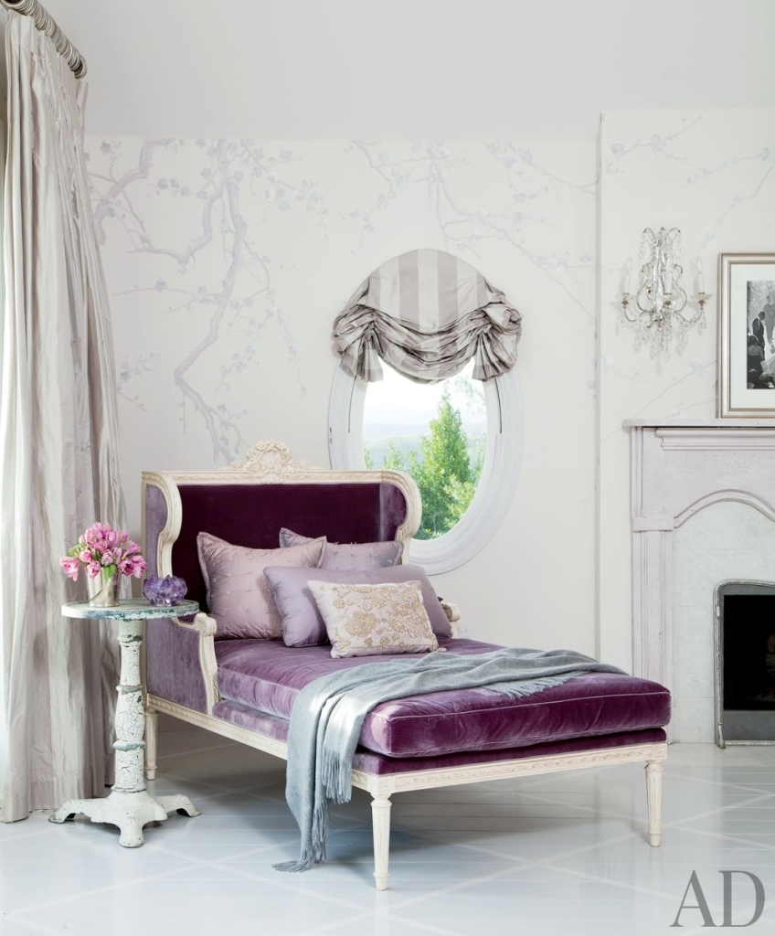 pale  chinoiserie wallpaper in a modern classic bedroom