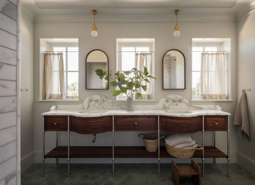 curved double-sink  Vanity