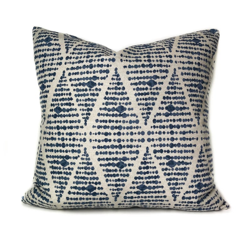 Outdoor throw pillow cover with zipper, Blue outdoor patio cushion in modern geometric pattern, Outdoor sham