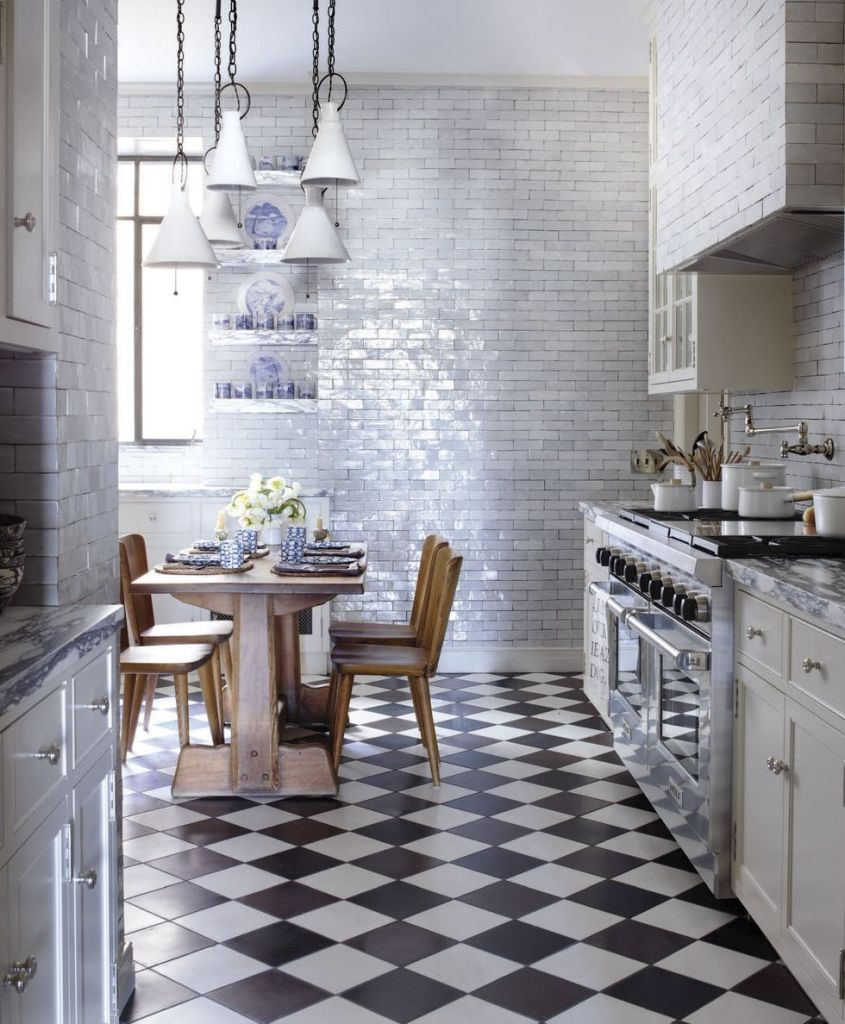 shimming to-the-ceiling subway tile wall
