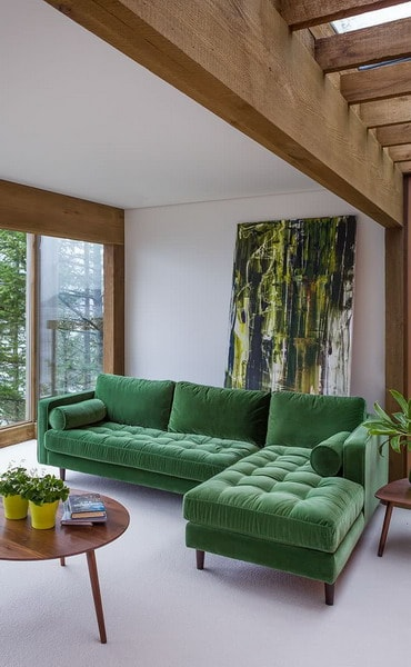 pop of green in the minimaism living room