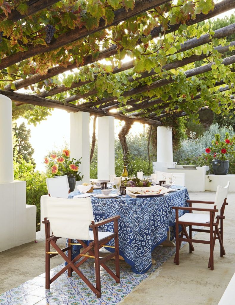stylish outdoor table-cloth