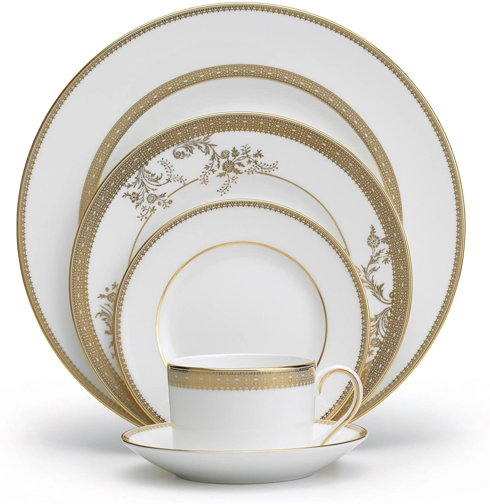 Vera Wang Wedgwood Vera Lace Gold 5-Piece Dinnerware Place Setting bone china