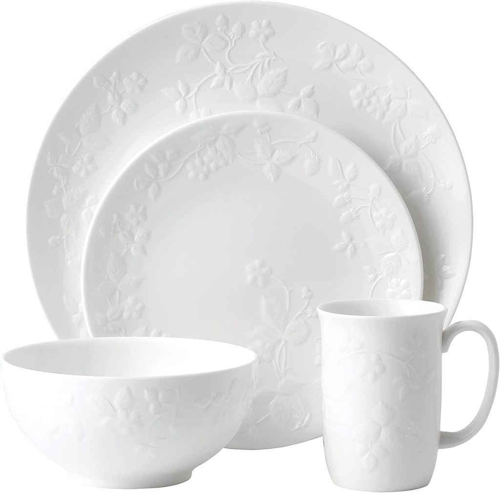 Wedgwood 4 Piece Place Setting, Wild Strawberry White