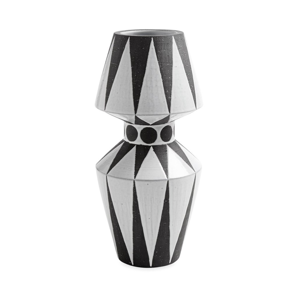 black-and-white-geometric-vase