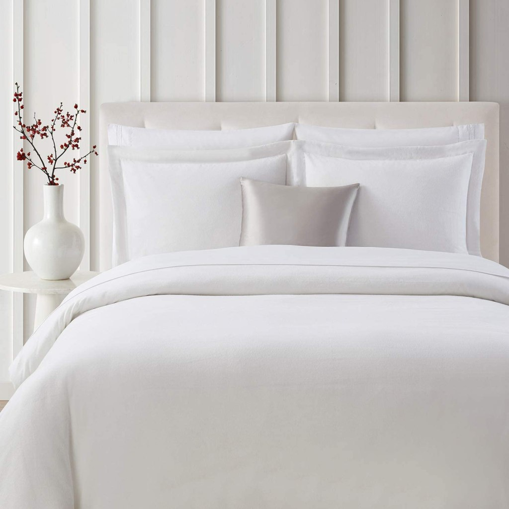 Mellanni Duvet Cover Queen Set 3pcs - Soft 100% Organic Cotton Flannel Bedding, 2 Shams and 1 Comforter Cover - Button Closure and Corner Ties (Full/Queen, Flannel White)