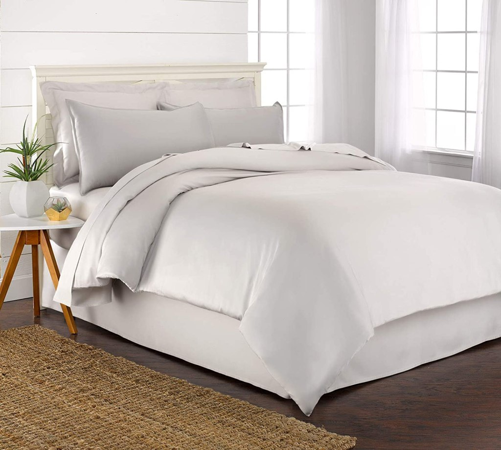 Pure Bamboo King Duvet Cover Set - 100% Organic Bamboo, Luxuriously Soft and Cooling - 3 Piece Set Includes 1 King Button Closure Duvet Cover with Ties, 2 Pillow Sham Covers (King, White)