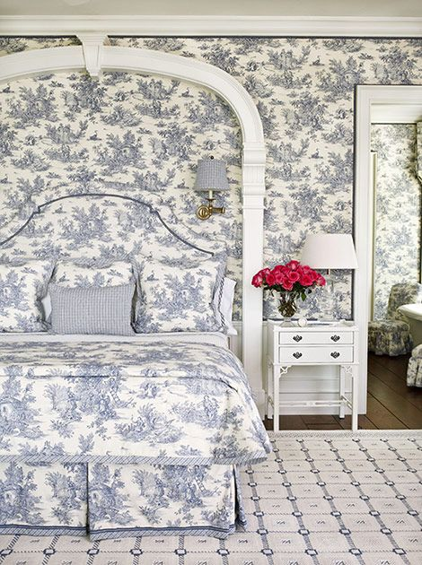 blue-and-white toile bedroom