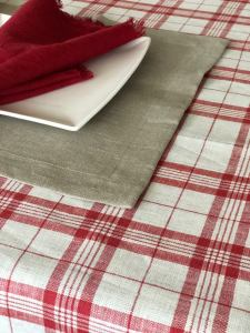 Red and White Plaid pattern Linen Table Cloth, Christmas Linen Tablecloth, Red Tablecloth Holiday Tablecloth Square, Custom Tablecloth linen