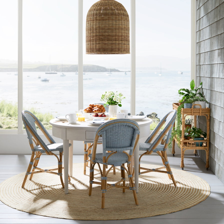 casual and elegant dining set