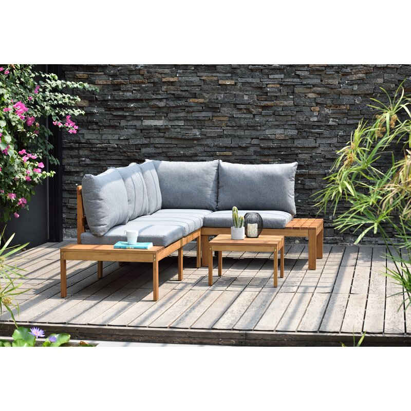 ectional Seating Group with Cushions